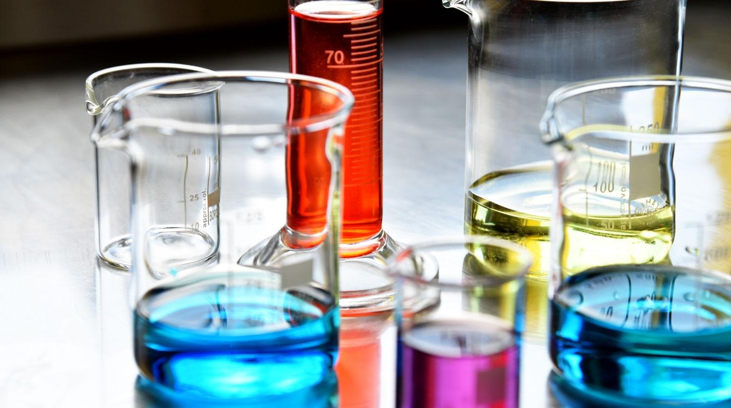 Messbecher & Zylinder zum Liquids selbst mischen
